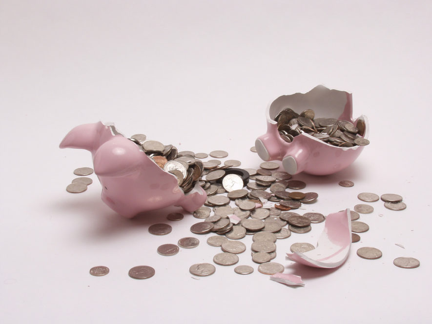Broken-Piggy-Bank-Retirement-Savings